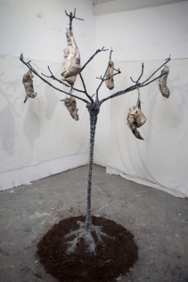 Tree of souls (metal, wax, and string 194 x 135 x 145 cm)